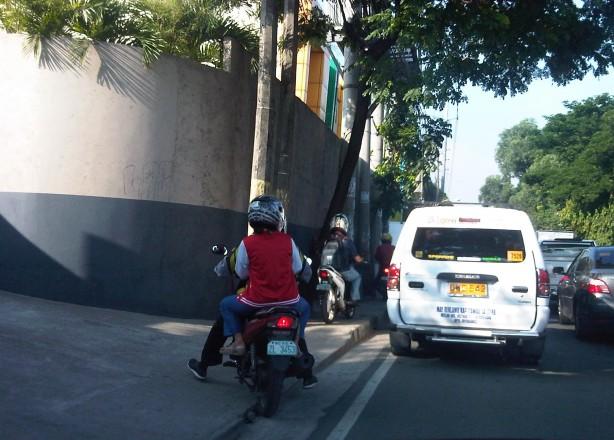 sidewalk-motorcycles-1